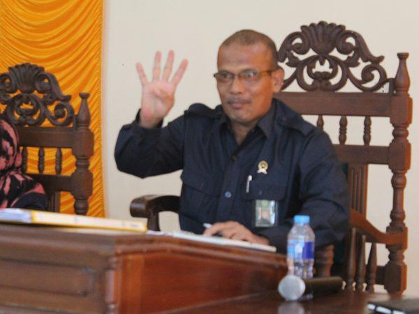 RAPAT PEMBINAAN DAN TINDAKLANJUT HASIL ASESMEN EKSTERNAL BADILAG DI PA SAMBAS