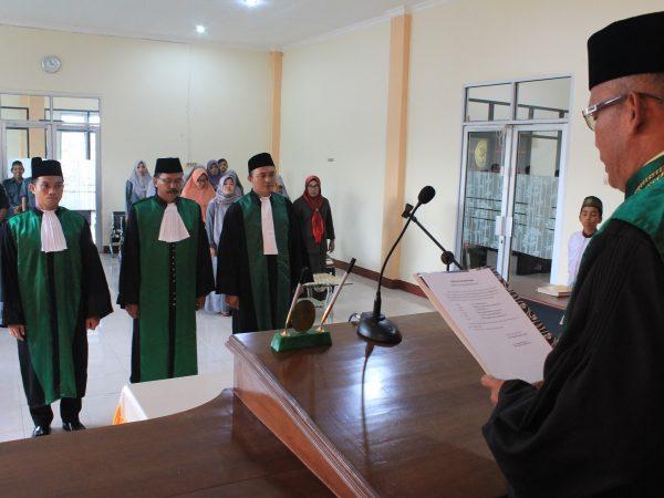 Tidak Hanya Miliki Wakil Ketua Baru, PA Sambas Juga Mendapat Tambahan 2 Orang Hakim